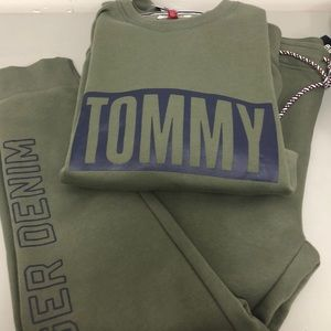 Tommy Hilfiger matching set men's new with tags